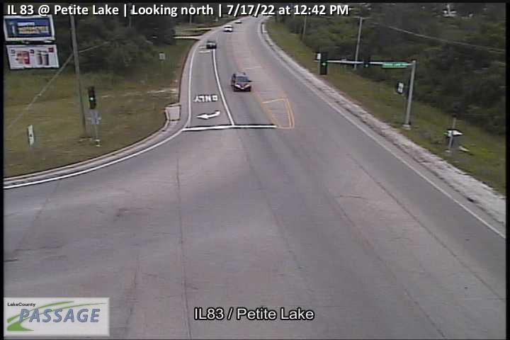 camera snapshot for IL 83 at Petite Lake